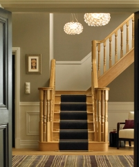 Heritage oak staircase with continuous handrail